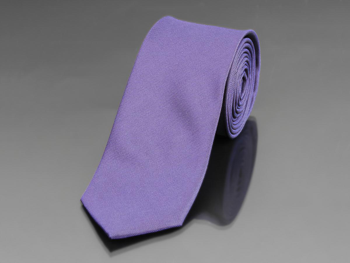 Kravata pánská AMJ zúžená, jednobarevná KU0700, fialová