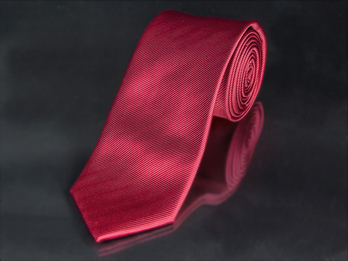 Kravata pánská AMJ, šikmý proužkovaný vzor KU0024, červená
